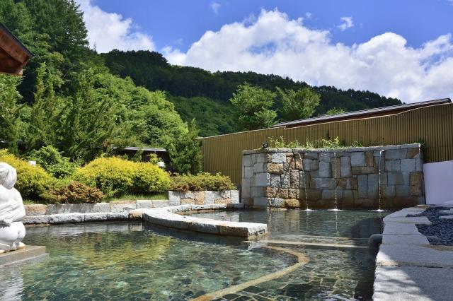 信州平湯温泉ひまわりの湯の露天風呂